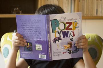 dziecko czyta ksiazke